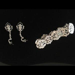 Filigree silver bracket with earrings
